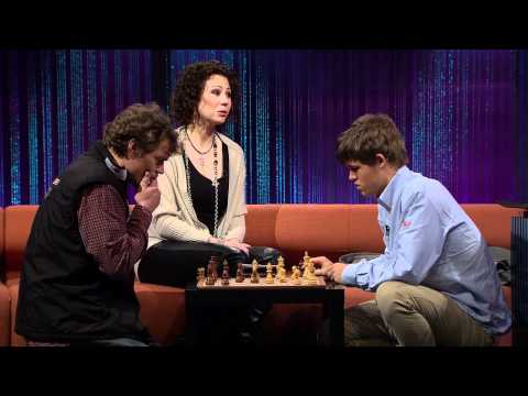 World champion Magnus Carlsen plays wildlife legend Lars Monsen on «Senkveld med Thomas og Harald»