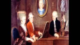 """W.A.Mozart - K.247 Divertimento n.10 """"Lodronische Nachtmusik n. 1"""""""
