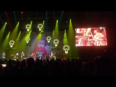 Chinaski - Vedoucí (live - Ostravar aréna 2017)