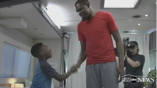 Kevin Durant Surprises Fan With a Similar Story to His