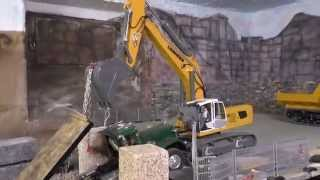 RC CONSTRUCTION MACHINES AT WORK, SALVAGE OF KING HAULER