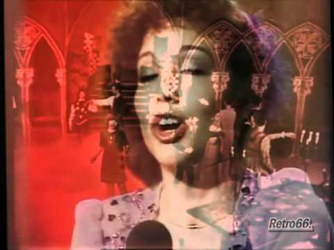 Ni Romeo Ni Julieta - Karina - Dos epocas
