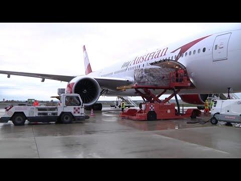 Coronavirus, atterrato a Fiumicino aereo con 2mln e 600mila mascherine proveniente dalla Cina