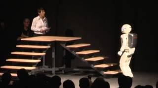 ASIMO Show (Part 2) - Futuro Remoto 2009 - Città della Scienza Napoli - 19 Nov 2009