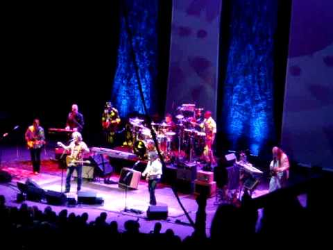 Daryl Hall John Oates Cleveland Ohio May 10 2014 Its Uncanny Live Concert Public Hall
