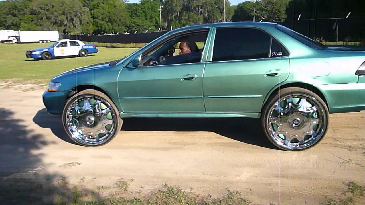 Box Chevy On 28s Amp Honda On 26s Youtube