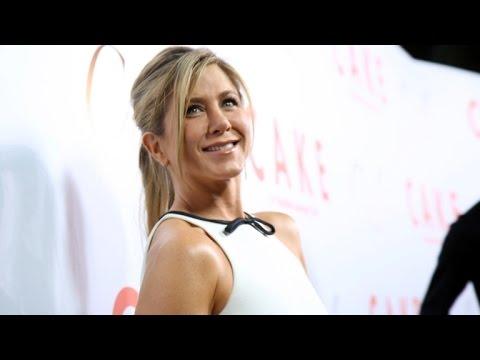 Jennifer Aniston 'Not at All' Fazed By Potential Oscar Snub at 'Cake' Premiere