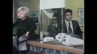 1977 : Lâche-moi les jarretelles Edwige Fenech