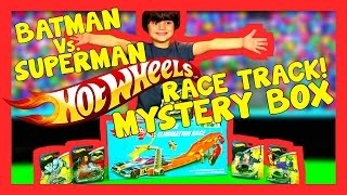 HOT WHEELS 4 Lane Elimination Race Track Set Batman vs Superman Toy Surprise Egg Box | Banchi Bros thumbnail