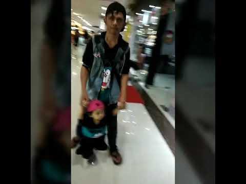 Suasana di area mall hill Batam kota
