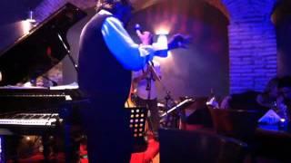 Alla Cantina del Sangallo, Gigi Proietti canta Serenata Sincera.MOV