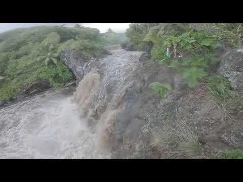 Flash flood at Venus Pools Maui