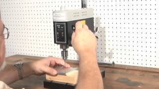 Demonstration Of Microlux #82959 Benchtop Variable Speed Mini Hobby Drill Press
