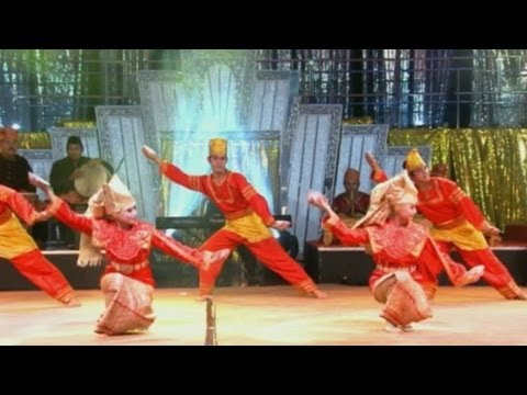 Tari Lilin Sumatera Barat