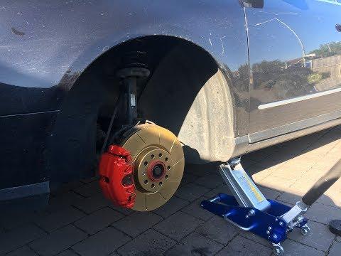 Passat B6 Change Front Discs/Rotors, Pads and paint caliper