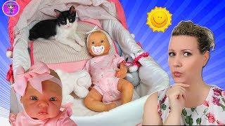 Intentando cuidar a mis bebes REBORN y mis GATITOS - Los Juguetes de JJ