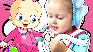 Беби Бон Упала с горки Беби Бон на прогулке Катаем на коляске Лечим  Baby Born Играем в куклы
