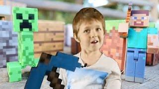 Игрушки майнкрафт и Голодные Игры. Адриан и Стив vs Крипер!
