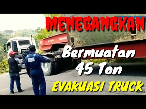 Insiden Trailer Turun Jalan Extrim, Sopir Truk Harus Nonton