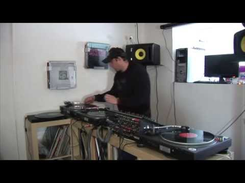 Old School Training Session Techno Mix 2011 3 x Technics 1200 Turntables