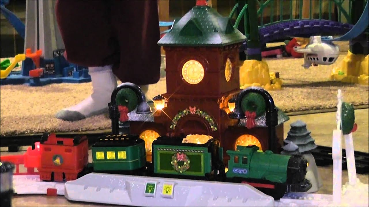 GeoTrax A Train Bowling Christmas - YouTube
