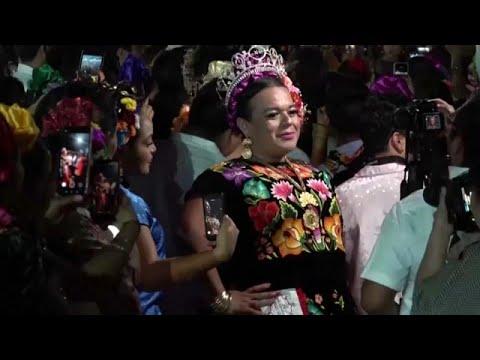 شاهد: احتفالات الجنس الثالث في جوشيتان المكسيكية في إحياء لتقاليد ضاربة في القدم…