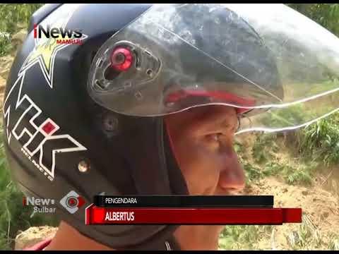 LONGSOR TUTUPI BADAN JALAN I INews Sulbar I 29-11-2017