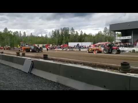 9000 Hp Modified Tractor In Centerville Nb