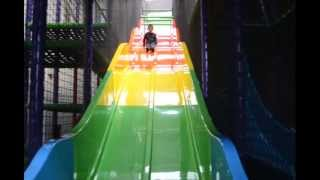 Indoor Playground Fun - Giant slide and Ball pool Kids having fun video