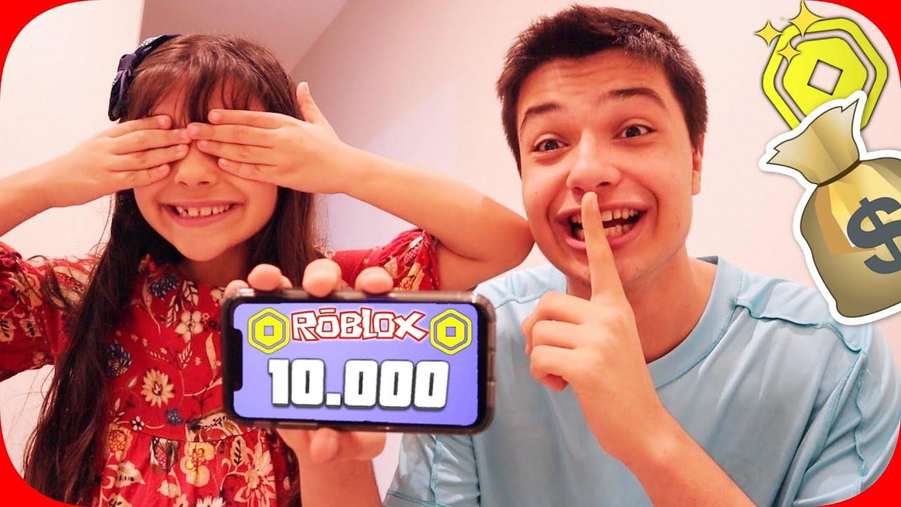DEI 10 MIL ROBUX DE PRESENTE PARA A MINHA IRMÃZINHA! ELA AMOU !!