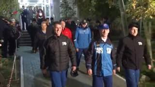 Экипаж  Союз МС 02  за 5 часов до старта
