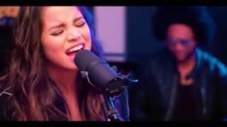 Смотреть клип Emilia - En Guerra