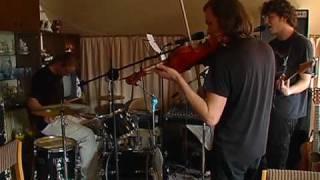 Mit den Musikern von Skyfly im Probenraum (Pirna-Magazin 15/2010)
