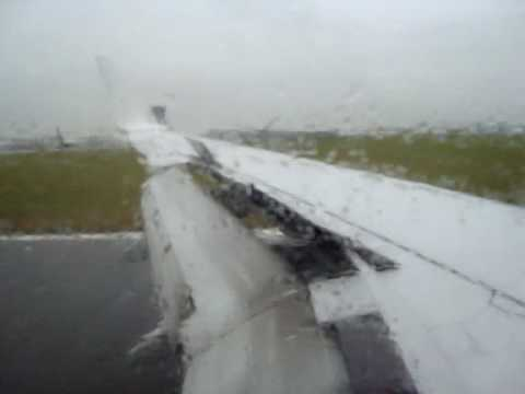 Atterisage a bristol airport (737-800 ryanair EI-DYJ)