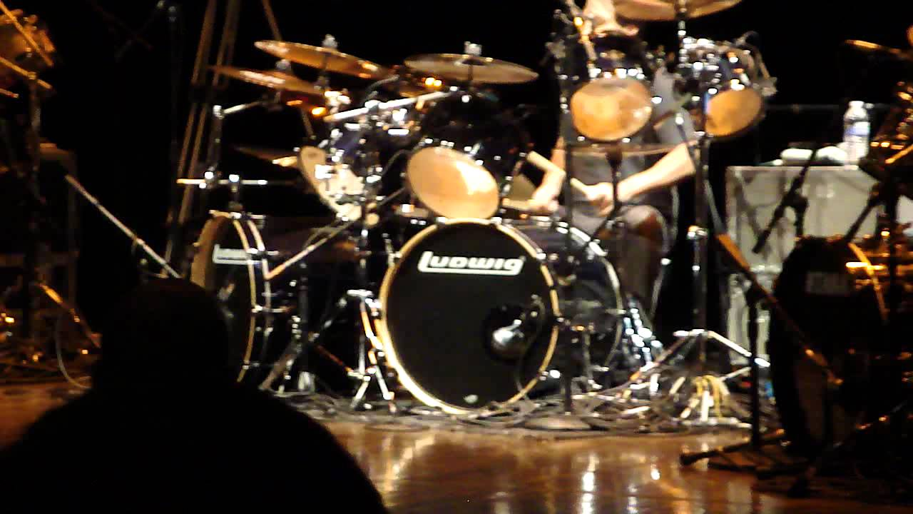 (HD) Dave Lombardo @ Drum Daze 2012 - YouTube