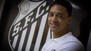 Ricardo Oliveira volta ao Santos após 12 anos