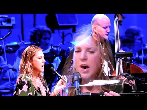 Diana Krall Live 2015 Hollywood Bowl Superstar/A Case Of You/Isn't This A Lovely Day