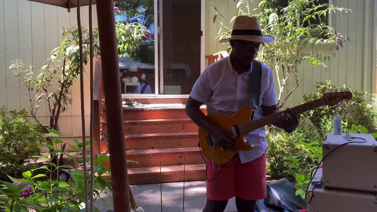 Sunday Music In the Backyard - HD