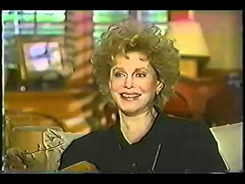 Elizabeth Montgomery on One on One 1992  PART ONE