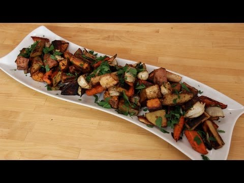 Roasted Winter Root Vegetables - Recipe by Laura Vitale - Laura in the Kitchen Ep 250<a href='/yt-w/1P-9qr1sAqw/roasted-winter-root-vegetables-recipe-by-laura-vitale-laura-in-the-kitchen-ep-250.html' target='_blank' title='Play' onclick='reloadPage();'>   <span class='button' style='color: #fff'> Watch Video</a></span>