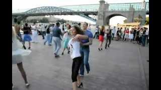 Безумно крутой танец  хастл