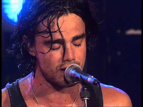 Kane - The unforgettable fire (2000) Live - YouTube