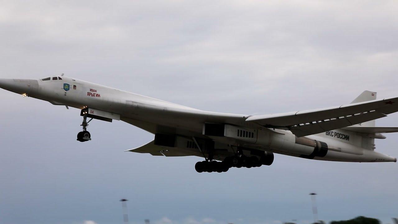Плановый полет Ту-160 ВКС России над нейтральными водами Балтийского моря