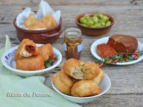 Zeppole calabresi farcite con acciughe, nduja e olive -impasto senza patate - Ricette che Passione