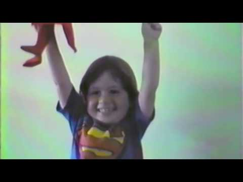 Ari - Superman (Part. Cacife Clandestino) Video Clipe Oficial