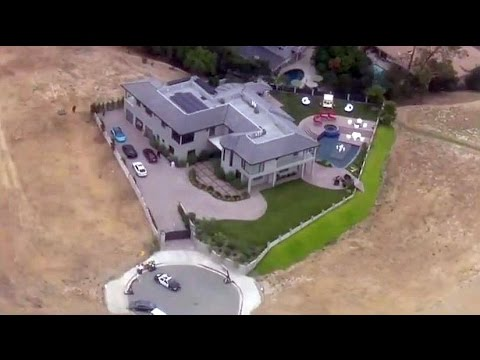 Police Standoff outside Chris Brown's Home in Los Angeles