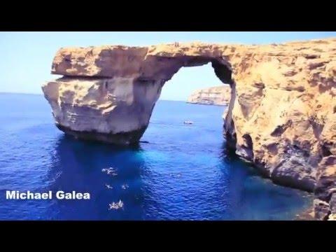 Cliff Jumping - Azure Window