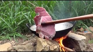 Bữa Trưa Thịt Lợn Gác Bếp , Rau Tam Giác Mạch Ngon Tuyệt Vời / Giàng Mí Chứ