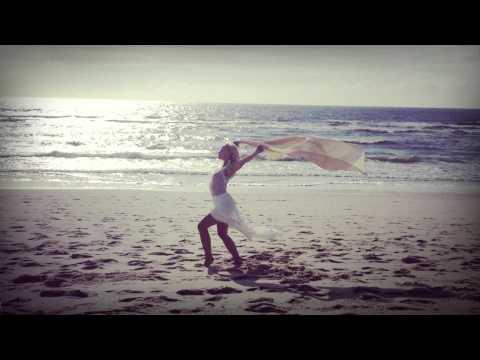 Gayatri Mantra - Mantra Chants // Julia Elena