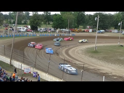 Late Model Heat Race #2 at Crystal Motor Speedway, Michigan, on 08-05-2017
